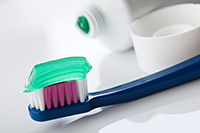 Which Is Better: Home-Made Toothpaste Or Manufactured Toothpaste?